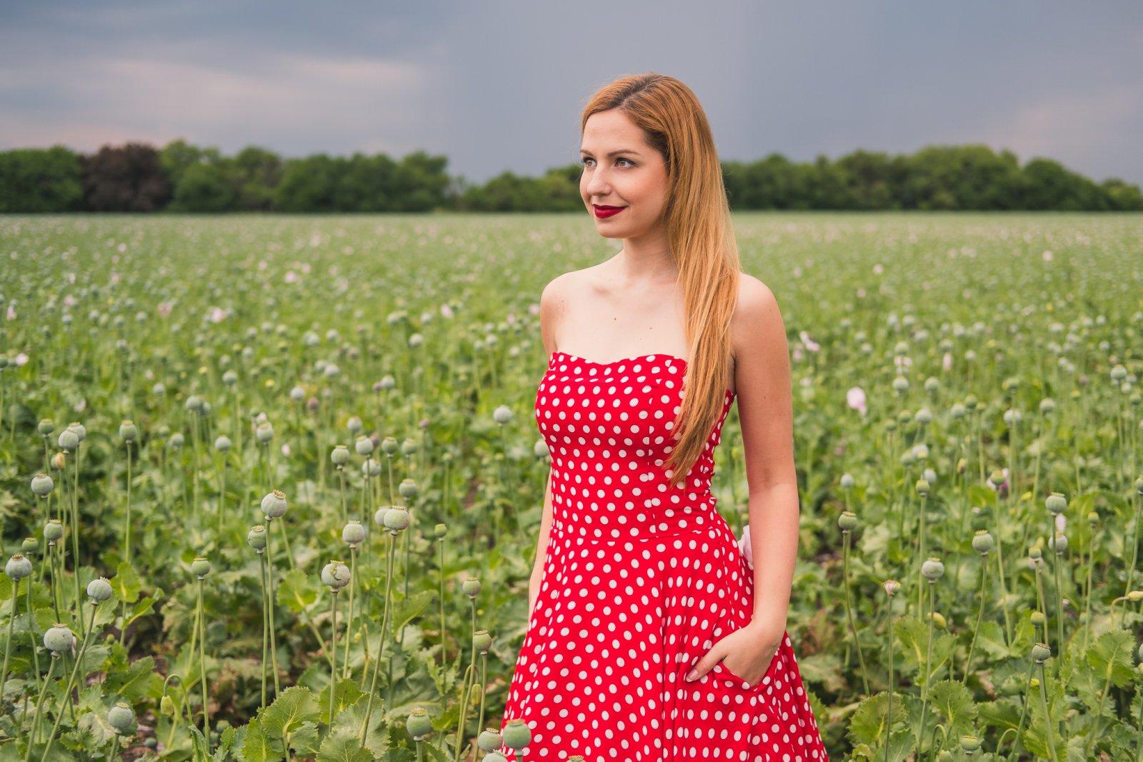 MONLEMON - Červené bodkované šaty Poppy 685fcc5a1e